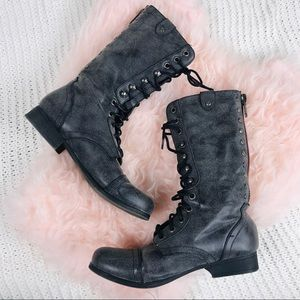 STEVE MADDEN - MADDEN GIRL LACE UP BOOTS